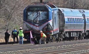 amtrak-train-derails-near-philadelphia-injuring-some